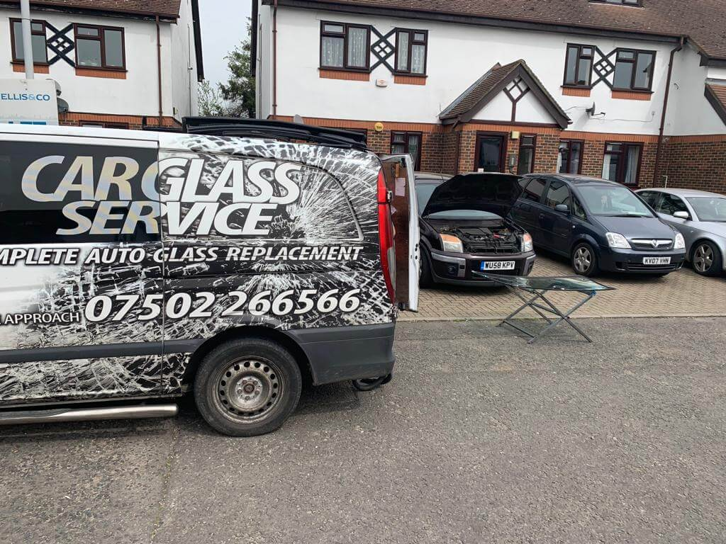 Windscreen replacement London