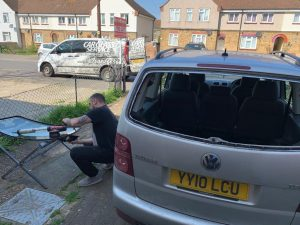 Car Glass Service - Windscreen Replacement and Repair London Service - Rear Car Glass Replacement - VW Touran
