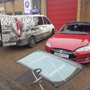 Car Glass Service - Windscreen Replacement and Repair London Service - Tesla